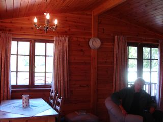 Rowan Lodge - dining area